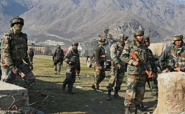 Pampore Gunfight: Security personnel take position
