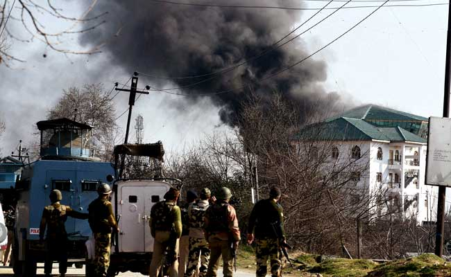 Pampore Gunfight: Smoke billowing out of JKEDI building