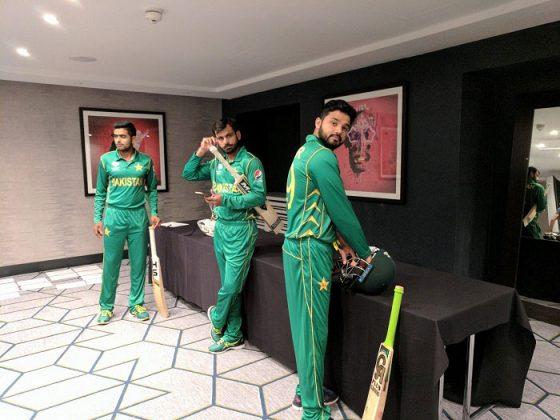 Pakistan Cricket Team's bat signing & headshots in new kit