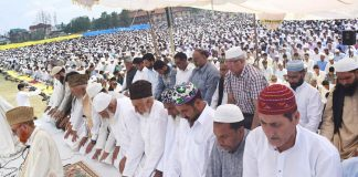 People offer Eid Prayers across Kashmir