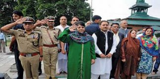 Mehbooba Mufti paying tributes to 13 July, 1931 Martyrs