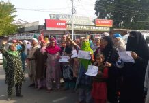 Women protest against braid chopping incidents in Pulwama