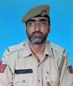Cop, injured in militant attack in Karan Nagar, succumbs