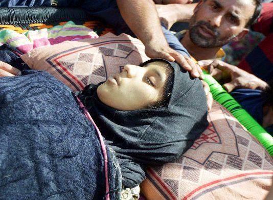 People carrying the body of slain Andleeb in Kulgam
