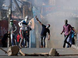 Kashmir Conflict - Stone Pelting - Kashmiri Youth