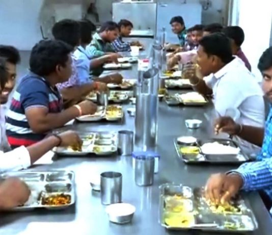 This canteen in Ramoji Film City is an epitome of brotherhood!