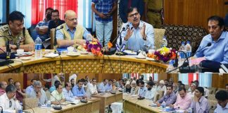 Advisor Kumar, CS Subrahmanyam visit south Kashmir