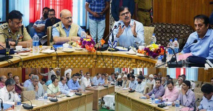 Advisor Kumar, CS Subrahmanyam visit south Kashmir